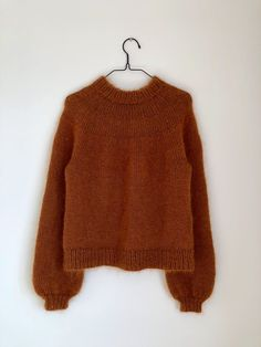 Ravelry: Novice Sweater pattern by PetiteKnit Kos, Raglan Pullover, Love Knitting, Aran Weight Yarn, Budget Planer, Alpacas, Stockinette, Couture, Pulls