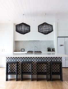 interior inspiration from -------------------------------------- Kitchen Tiles, Kitchen Design, Kitchen Decor, Devine Design, Kitchen Benches, Kitchen Upgrades, Inspired Homes, Minimalist Home, Interior Design Inspiration
