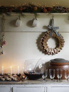 I like the idea of using those cinnamon ornaments as a wreath, I bet it smells amazing.