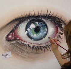 Reaslitic eye painting by MarigonaToma http://webneel.com/40-beautiful-and-realistic-pencil-drawings-human-eyes | Design Inspiration http://webneel.com | Follow us www.pinterest.com/webneel