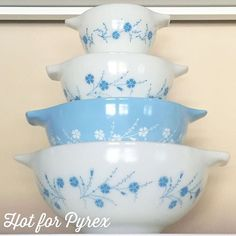 Day 69 of 100 - The last of my blue dianthus series - Cinderella mixing bowls. I still need the 444 to complete my set, but I am one bowl closer thanks to a fellow collector