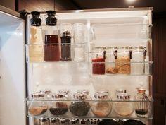 調味料の詰め替え記事から脱線していましたが、戻ります^^調味料の詰め替え容器について・・・ 冷蔵庫の扉裏、上段の説明まではこちらに→ ●収納●調味料の詰め替…