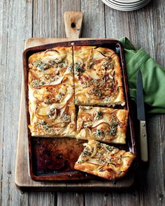 Focaccia with Caramelized Onions, Pear and Blue Cheese recipe