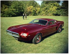 Ford Mustang concept cars that never made it to the lot, 1961 Mach 1 concept During its transition from a pony car to muscle car, the Mach I concept served as an early look at the 1968 production model. Mustang Mach 1, 68 Ford Mustang, Ford Mustangs, Mustang Engine, Roadster, Pony Car, Sweet Cars, Us Cars, Automotive Design