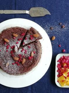 Veikeä Verso: Gluteeniton (ja proteiinipitoinen) suklaakakku