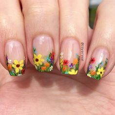 Floral are elements often used in nail art design. For example: flowers, leaves, grass, these can be used in nail design. Floral nail art designs gives a vibrant feeling. This nail design is used most in spring, but it can also be used in summer. Easter Nail Designs, Flower Nail Designs, Nail Art Designs, Nail Designs Spring, Fancy Nails, Pretty Nails, My Nails, Spring Nail Art, Spring Nails