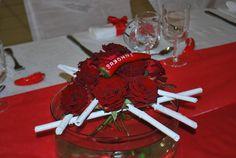 Décor basque à la salle communale de Fontaine Le Bourg- Centre de table floral