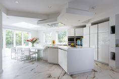 Stunning kitchen with unique breakfast bar Corian Worktops, Cooking For A Crowd, Centre Pieces, Architect Design, Kitchen Ideas, Slg, House, Furniture, Breakfast
