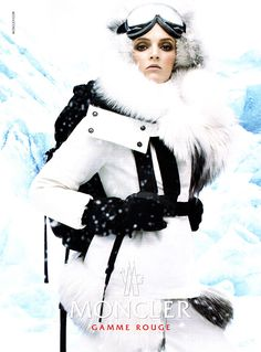 Chanel Coco Neige's Fall/Winter 2020 collection - High Fashion Living Snow Fashion, High Fashion, Daily Fashion, Womens Fashion, Moncler, Ranger, Ski Bunnies, Stylish Winter Outfits, Ski Girl