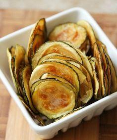 Neste post, você vai aprender rapidinho como fazer chips de abobrinha! Delícia crocante que vai bem para comer a qualquer hora!