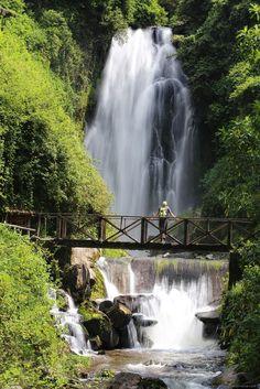 Vera waterfall peguche- Otavalo ecuador, Things to do beyond the market