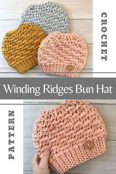 Do you need a quick and easy Messy Bun Hat Pattern to add to your next Craft Show or to make as a gift for someone? Then check out this crochet messy bun hat pattern. Crochet Adult Hat, Crochet Winter Hats, Easy Crochet Hat, Crochet Patron, Crochet Beanie Pattern, Crochet Messy Bun Hats, Free Crochet Hat Patterns, Crochet Christmas Hats, Crochet Cross