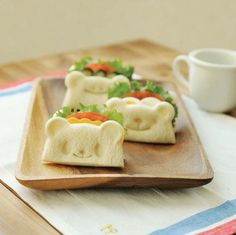 Let your kids enjoy their lunch in a happy mood by molding their sandwiches with these Panda Sandwich Cutters.