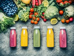 Variety of colorful Smoothies or juices bottles beverages drinks with various fresh ingredients: fruits ,berries and vegetables on gray concrete background , top view. Fruit Drinks, Healthy Drinks, Healthy Food, Beverages, Detox, Weight Loss Smoothie Recipes, Ipad, Cold Pressed Juice, Juicing For Health