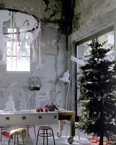 I want this light and airy, i tend to do heavy baubles christmas