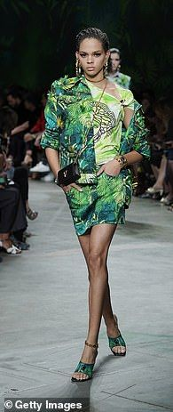Totally tropical at Versace... Combat Pants, Tough Girl, Looking Gorgeous, Summer Wardrobe, Wide Leg Pants, Lounge Wear, Versace, Cool Style, Mini Skirts