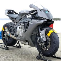New Super Sport Bike Motorcycles Ideas Yamaha R1, Yamaha Motorcycles, Custom Motorcycles, Custom Bikes, Cars And Motorcycles, Ducati Motogp, Custom Baggers, Gp Moto, Moto Bike