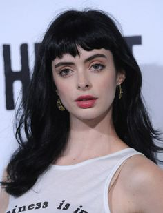 Kristen Ritter, wearing the best fringe EVAR. Her fringe is a bit choppy, but full so it has a similar effect to blunt cut fringe. Usually sits an .5 to 1.5 inches above her brows, cut straight across and not tapered. Suits her heart shaped face and high forehead.