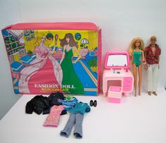 Fashion Doll Bedroom Case Dream House Furniture vanity pink Malibu Barbie Lot #Mattel