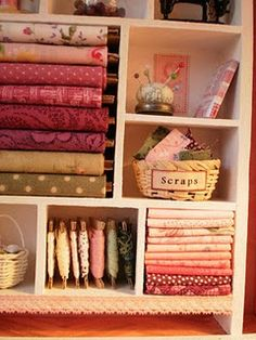 This is a miniature piece! I totally thought it was from someone's actual craft room! Need to organize my fabrics, etc like this. would make such a difference My Sewing Room, Sewing Art, Sewing Rooms, Sewing Ideas, Miniature Quilts, Miniature Dollhouse, Space Fabric, Small Room Decor, Quilting Room