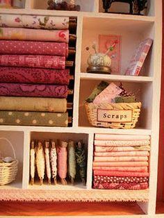 need to organize my fabrics like this...