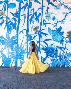 Orange Flowers, Spring Flowers, West Loop Chicago, Chicago Murals, Flower Mural, Visit Chicago, Wall Murals, Wall Art, Heart Emoji