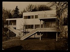 (6)WORK IN BERLIN: Marcel Breuer also designed the Werkbund exhibit at the 1930 Salon des Artistes Decoateurs in Paris, while in 1932 he recived his first commission as an architect for a house in Harnischmacher in Wiesbaden, Germany