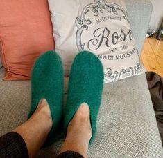 Vi strikker sammen: Tovede tøfler! - Knitted Slippers, Knitting, Pattern, Fashion, Knit Socks, Moda, Knit Slippers, Tricot, Fashion Styles