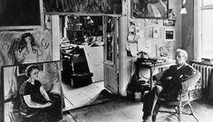 Edvard Munch in his studio Ekely. Oslo, photo via The Munch Museum, Oslo. Edvard Munch, Jean Arp, Paul Cezanne, Artist Life, Artist At Work, Dali, Famous Artists, Great Artists, Monet