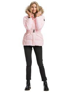 Dámska bunda na zimu Shaula Short Jacket v ružovej farbe ice pink. Nájdete ju tu: http://bit.ly/1LvBhhJ