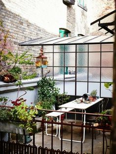 Top Ten: Best Outdoor Patio Dining Sets Apartment Therapy Annual Guide 2014