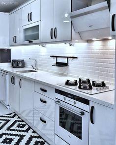 Kitchen Pantry Design, Condo Kitchen, Modern Kitchen Design, Kitchen Layout, Kitchen Styling, Interior Design Kitchen, Kitchen Cabinets, Small Modern Kitchens, Modern Laundry Rooms