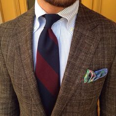 Mottled brown sport coat, button down collar, bold striped tie and colorful pocket sqaure. Dapper Gentleman, Gentleman Style, Mens Fashion Blog, Suit Fashion, Sharp Dressed Man, Well Dressed Men, Preppy Men, Brown Suits, Suit And Tie