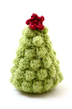 According to Matt...: Creative Christmas: Crocheted Christmas Trees free pattern from Ravelry