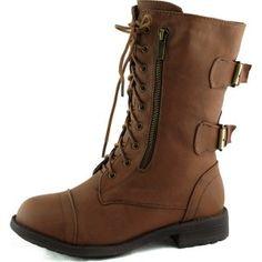 Botas con broches, encuentra más estilos de botas militares  aquí...http://www.1001consejos.com/botas-estilo-militar/