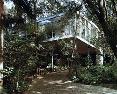 Casa de Vidro (Glass House) by Lina Bo Bardi | Yellowtrace