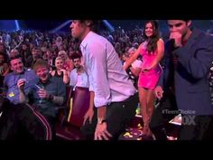 Harry Styles TWERKING || Don't Drop That Thun Thun Thun I DONT CARE IF YOU ARE A ZAYN GIRL OR A NIALL GIRL THIS IS PERFECT AND I HAVE PROBABLY WATCHED THIS 3O TIMES AND I AM IN LOVE WITH IT