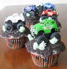 cupcakes-do something using crushed oreos and...??