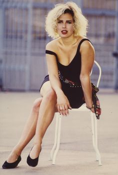 When Kim Wilde arrived on the scene in she was dressed in jeans and t-shirts. This gallery collects some of the most beautiful outfits Kim has worn during her career. Pop Singers, Female Singers, Kim Wilde, Sunny Pictures, Pat Benatar, Kim Novak, Nostalgia, Hottest Female Celebrities, Celebs