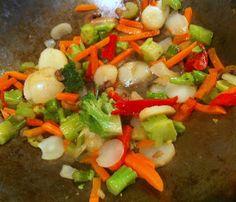 The Dishy Decorator: Ginger Garlic Shrimp Stir-Fry