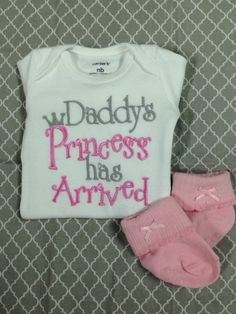 Baby Girl Clothes embroidered with Daddy's Princess has Arrived, newborn daddy's princess embroidered bodysuit, bringing home baby outfit - pinned by pin4etsy.com