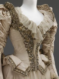 Embroidered corded silk wedding dress made after a Paquin Lalanne et Cie, Paris model by Stern Brothers, New York, 1890. Given by Lord Fairhaven © Victoria and Albert Museum, London. Find out more http://collections.vam.ac.uk/item/O166855/wedding-dress-and-stern-bros/