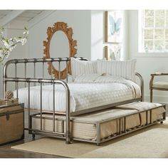 Metal Daybed!!!!!