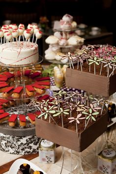 Burch and Purchese Sweet Studio Something Sweet, Sweet Life, High Tea, Amazing Cakes, Tea Time, Wedding Styles, Tea Party, Cake Recipes, Sweet Treats