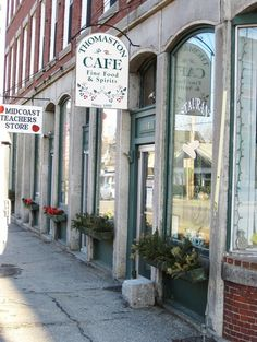 The Lyman Family has been eating here every week since The Thomaston Café opened.  Haddock Chowder is fantastic! #Thomaston, #Maine 154 Main St., Thomaston, ME.