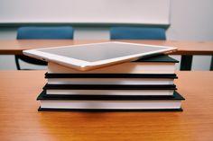 Wie auch Sie Tabletklassen an Ihrer Schule einführen!       Tabletklassen sind zur Zeit in aller Munde. Viele haben schon Tablets im privaten Gebrauch, die Vorteile solcher handlichen Geräte liegen auf der Hand. Im Schuleinsatz bieten sie Mobilität, einfache Wartung und Administration, Motivation und Begeisterung an neuer Technik und