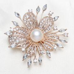 pearl brooch broche de perla