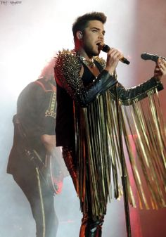 Queen + Adam Lambert - United Center - Chicago, IL - 6/19/14.