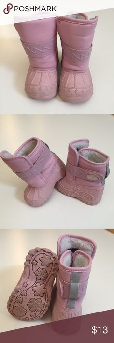 Girls Pink Stride Rite Snow Boots Girl's Stride Rite Cold Front Pink Winter Snowboots with Thermolite lining.  They are in great condition.  Smoke-free, pet-free home.  Size 6M Thanks for looking and have a great day!!!! Stride Rite Shoes Rain & Snow Boots
