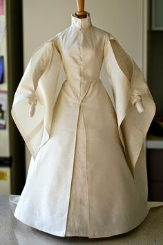 """The Alcega Project: Project #10. F1.6 - """"Women's silk skirt and bodice with full-length pointed sleeves"""""""